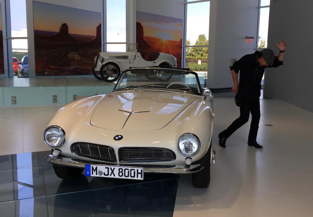 Brian Johnson filming Cars That Rock